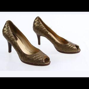 Cole Haan Gold Leather Basket Weave Peep Toe 9.5 B
